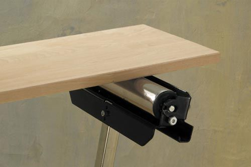 Egyenes forgó henger - megakadályozza az oldalirányú elmozdulást.